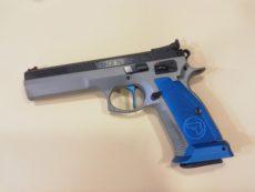 Pistolet semi automatique CZ modèle 75 ST IPSC, calibre .40 Smith et Wesson