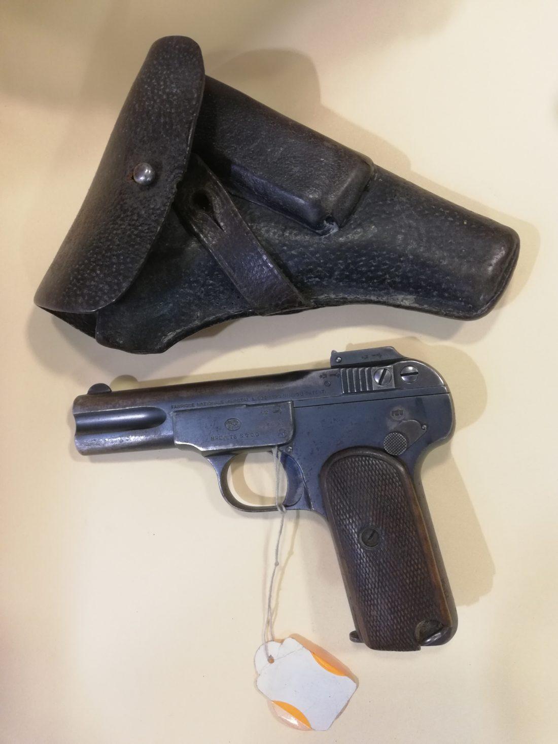 Pistolet semi automatique FN modèle 1900 calibre 7,65 Browning