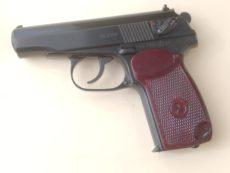 Pistolet semi automatique MAKAROV calibre 9x18mm