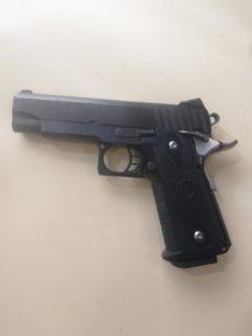 Pistolet STI modèle HAWK, calibre .45 ACP