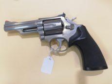Revolver Smith et Wesson modèle 66, calibre .357 Magnum
