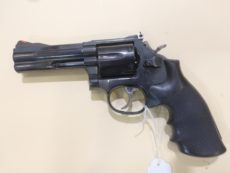 Revolver Smith et Wesson modèle 586, calibre .357 Magnum